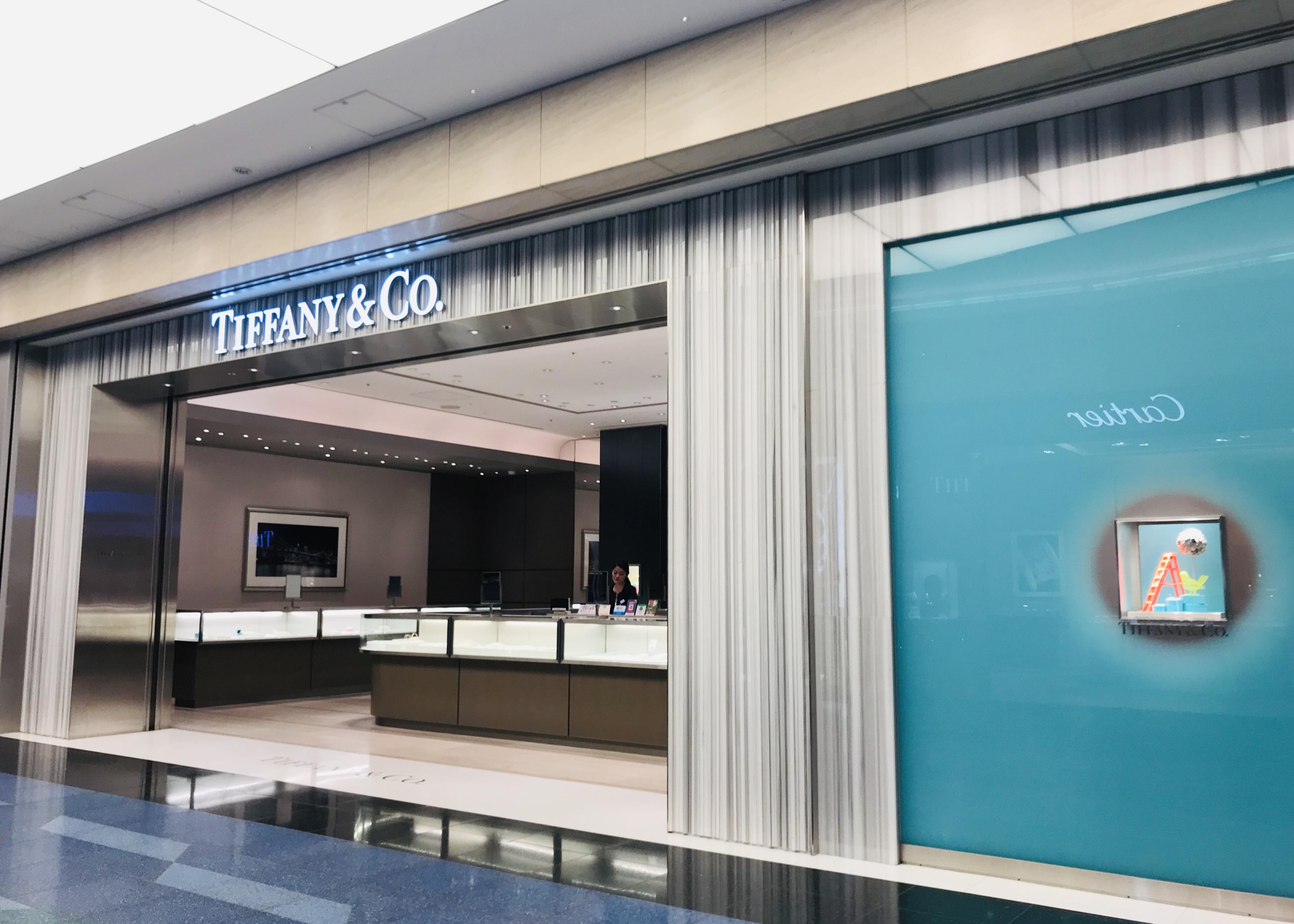 ティファニーの価格を羽田空港とANAの機内販売と市内免税で調査【買い物】